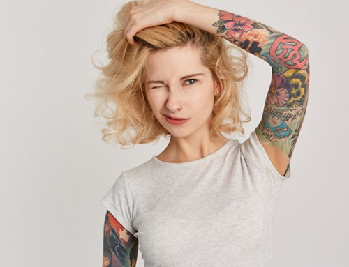 Como coidar unha tatuaxe e protexela do sol